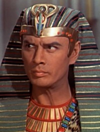 Yul Brynner in The Ten Commandments film trailer